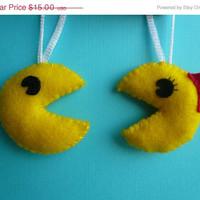 Christmas in July 20% OFF Mr. and Mrs. Pac man Ornament Set