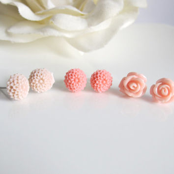 Lovely Pink Pixel Garden. Sweet Romantic Floral Post Earrings. Light Pastel Colours. Nature Garden Stud Ear Accessories