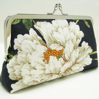 Bridesmaids gifts -8 in - Big white flowers in black