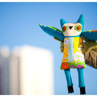 Turquoise owl, soft toy by Wassupbrothers.