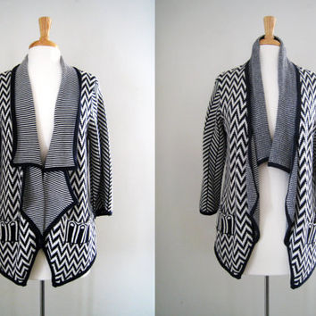 Vintage Chevron Print Sweater Cardigan - Size Medium to Large