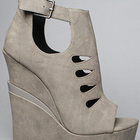 The Garcelle Shoe in Gray