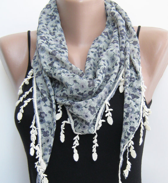 15% SALE Summer scarf- Floral triangle lace scarf