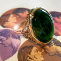 60s Vintage GOTHIC RING Adjustable Deep Emerald Glass