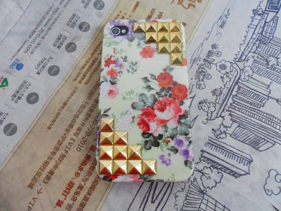 golden pyramid stud flowers iphone hard Case cover For iPhone 4 Case, iPhone 4s Case, iPhone 4 GS case -089