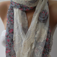 Elegance Shawl // Scarf with Lace Edge....
