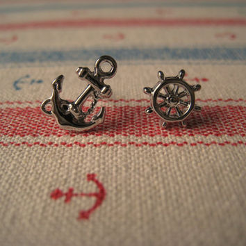 Nautical Earrings (Anchor Earring) (Wheel Earring) - Silver Color