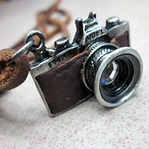 Fashion leather necklace men necklace women necklace made of metal camera and brown leather  XL-2089