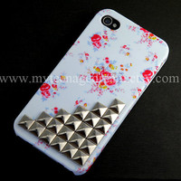 Iphone 4 Case, studded iphone 4s case, pink Flower Rose white Case, Silver studs Apple iPhone Case 4s, iPhone 4 Hard Case