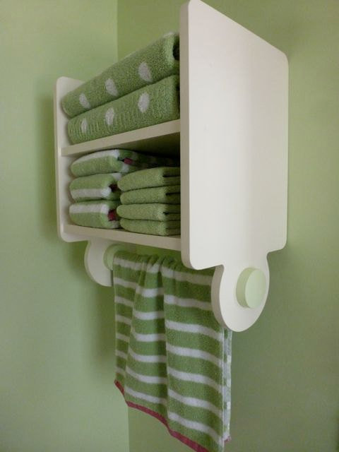 1213 Nels Towel Shelf