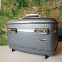 PEARLY PEWTER ORGANIZER Vintage Traincase American Tourister 1960s Blue Hardside Train Case // Makeup Organizer // Artist Box // Cosmetic
