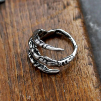Raven Claw Ring in Solid White Bronze