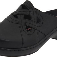 Klogs USA Women`s Outrigger Clog,Black Smooth,9 M US