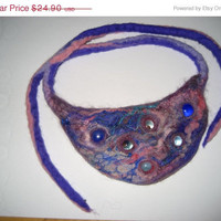 SALE Felted beaded violet purple pink necklace, glass marbles. Jewelry under 25.