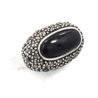 Vintage onyx marcasite sterling silver ring  - Square band, large stone - Size 6.5 -  InVintageHeaven