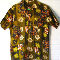 Awesome 1950s Mens Hawaiian Tiki Shirt. Luau ready. Small or Medium.