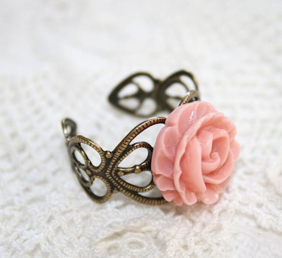 Ruffle Apricot Pink Rose Antique brass Filigree adjustable Ring, Peach Rose Vintage Heart filigree Ring, Gift to Girlfriend Mother Daughter