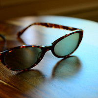 Amazing Cat Eye Vintage Tortoiseshell Sunglasses