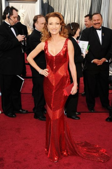 Jane Seymour Scarlet Shunning All-over Sequined Trumpet Deep V-neck Strap Floor Length 84th Oscar Dress with Train
