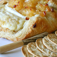 Baked Brie en Croûte with Apple Compote » Annie's Eats