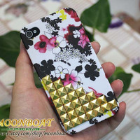 Beautiful Flower Hard With Golden Pyramid Stud Case for Apple iPhone 4 ,iPhone 4s,iPhone 4 Hard Case,iPhone Case MB590