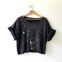 Vintage Cropped WOLF TShirt. Grunge Cut Off Shirt. Coyote Moon Tee Shirt. Worn in & Distressed.