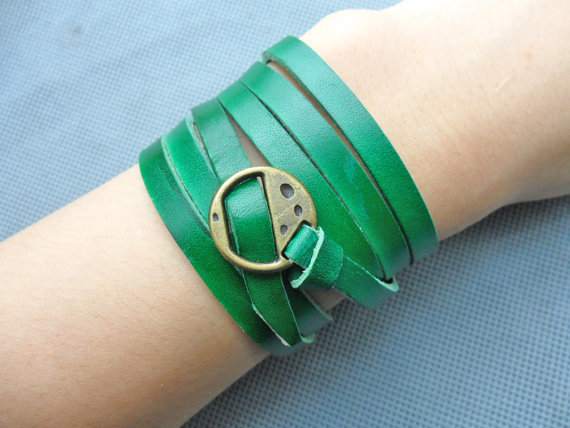 bangle buckle bracelet leather bracelet women bracelet girl bracelet made of green leather and bronze buckle wrist sh-0335