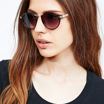 Ava Etched Sunglasses in Burgundy - Urban Outfitters