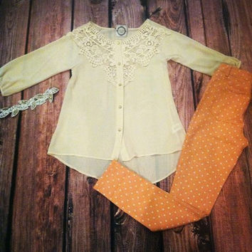 """""""On Pace With Lace"""" Top"""