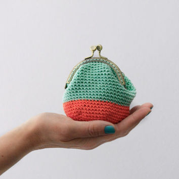 Crochet coin purse, the Mint Keeper, in coral and mint