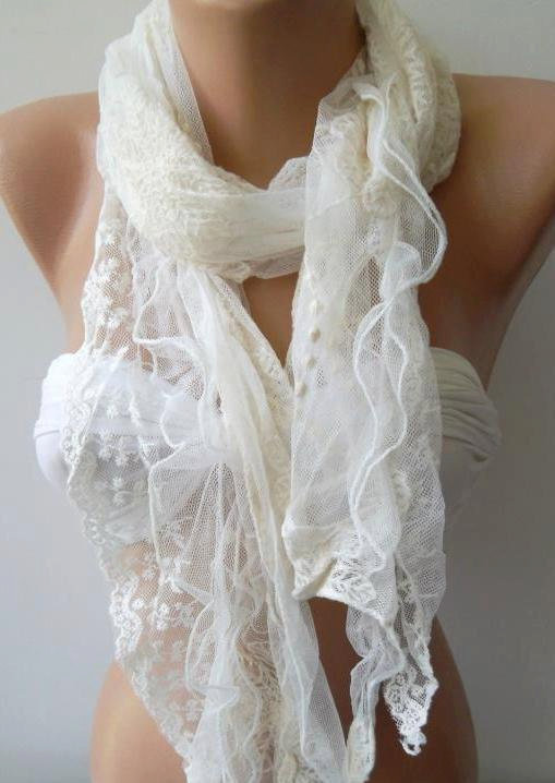 Creamy White / Lace and Elegance Shawl/scarf