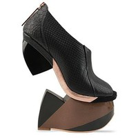 Finsk 116-79 in Black at Solestruck.com