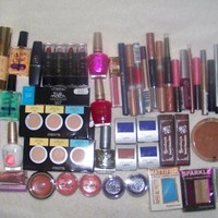 Assorted Namebrand Cosmetic Makeup - 50pcs Wholesale Makeup Lot