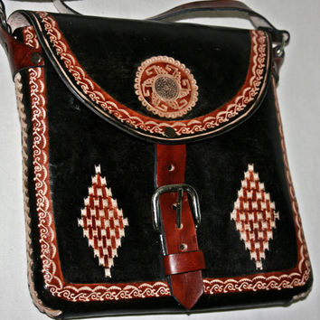 Handcrafted Leather Purse Leather Crossbody Purse Engraved Leather Bag Nahuatl Art Aztec Calendar Rustic Leather Bag Black Leather Purse S-M
