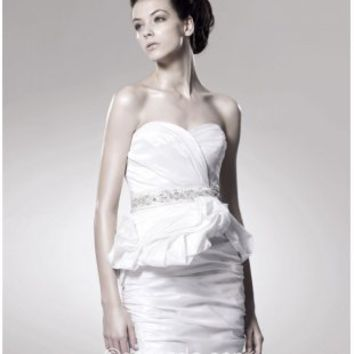 [US$ 104.99] Strapless Sweetheart Sexy White Sheath/Column Short/Mini Sleeveless Taffeta Zipper Up Wedding Dress