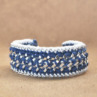 Cobalt blue bracelet with chunky chain, blue and white crochet bracelet, boho bracelet, chunky bracelet