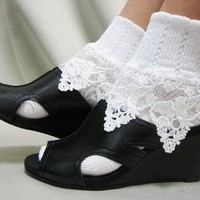 SL47 Angel cherub lace socks white