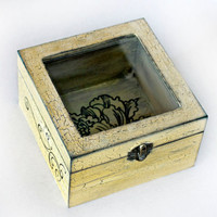 "Treasury Love Box with Window . Dimensions : 6"" / 6"" / 3,5"" ( 15 / 15 / 9 cm.)"