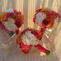 Real Touch Bridesmaid Bouquet - Ora.. on Luulla