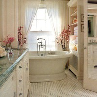 home dec -- ideas to die for / love this tub