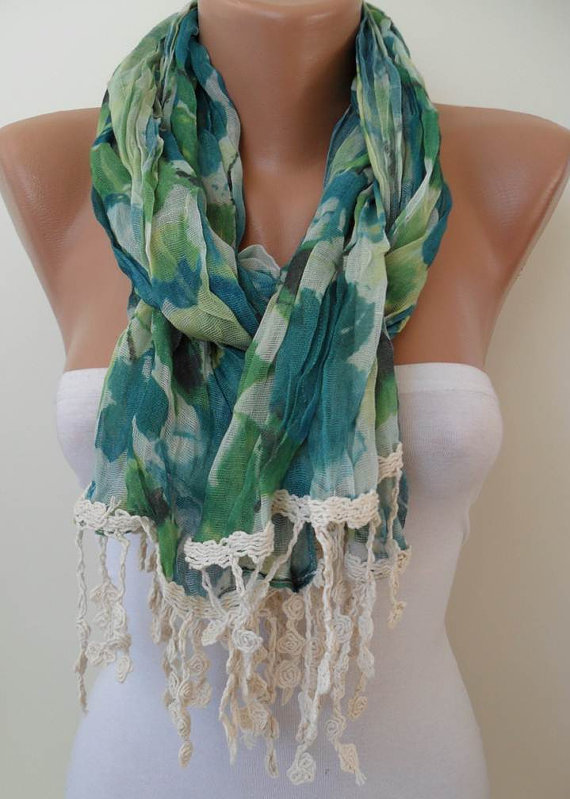 Green Linen Scarf with Beige Trim Edge