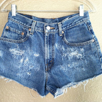 High Waisted Distressed Levi's Shorts (Medium)