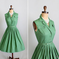 Vintage 1950s Dress : 50s Green Shirtwaist Dress