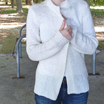 Cardigan Vintage Sweater by Nan Elliot in Cream Color - Fits Large Size Women's Fashion Very Cozy 1960s / 1970s