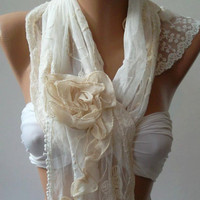 Pearl White / Elegan- Shawl / Scarf with Lace Edge.Roses