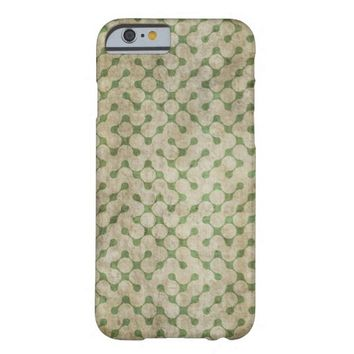 Abstract Green Retro Grunge Maze Pattern iPhone 6 Case
