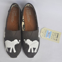 Hand Painted Elephant TOMS Women's Size 7