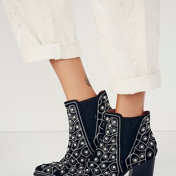 Jeffrey Campbell  + Free People Womens After Dark Boot - Black Suede / Silver