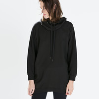Extra-long hooded sweatshirt