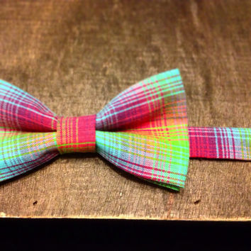 The Surfer - Neon Plaid Bow Tie